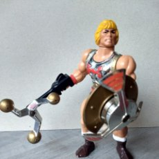 Figuras Masters del Universo: HE-MAN PUÑO BOLEADOR - MOTU MASTERS DEL UNIVERSO HEMAN HE-MAN MATTEL FLYING FISTS. Lote 157752418