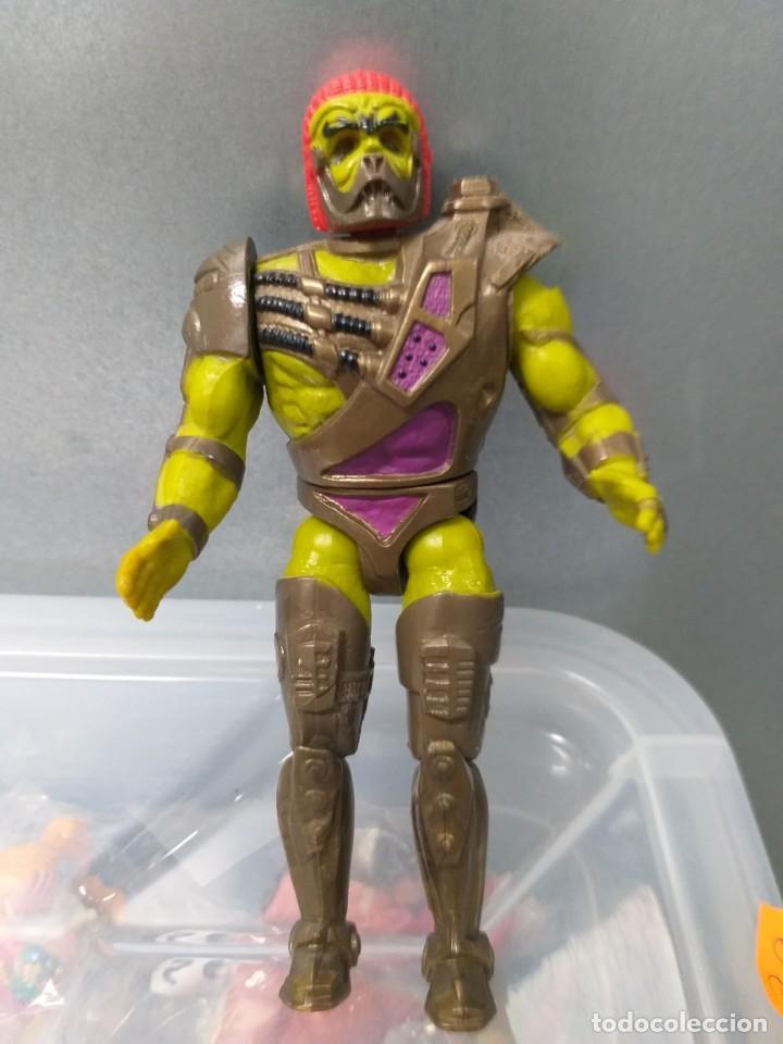 FIGURA DE ACCION MASTERS DEL UNIVERSO HE-MAN KARATTI (Juguetes - Figuras de Acción - Master del Universo)