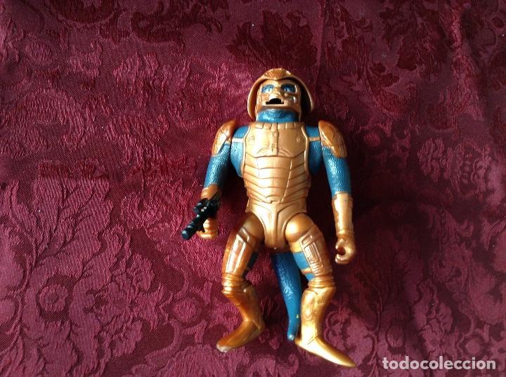 MASTER DEL UNIVERSO SAUROD CON PISTOLA (Juguetes - Figuras de Acción - Master del Universo)