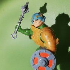 Figuras Masters del Universo: MASTERS DEL UNIVERSO MAN AT ARMS CON ESCUDO HE-MAN&MAZA MASTERS DEL UNIVERSO MOTU MATTEL TAIWAN 1981. Lote 222717387