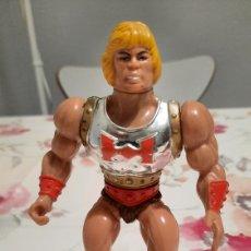 Figuras Masters del Universo: PUÑO BOLEADOR HE-MAN MATTEL INC 1985. Lote 246188235