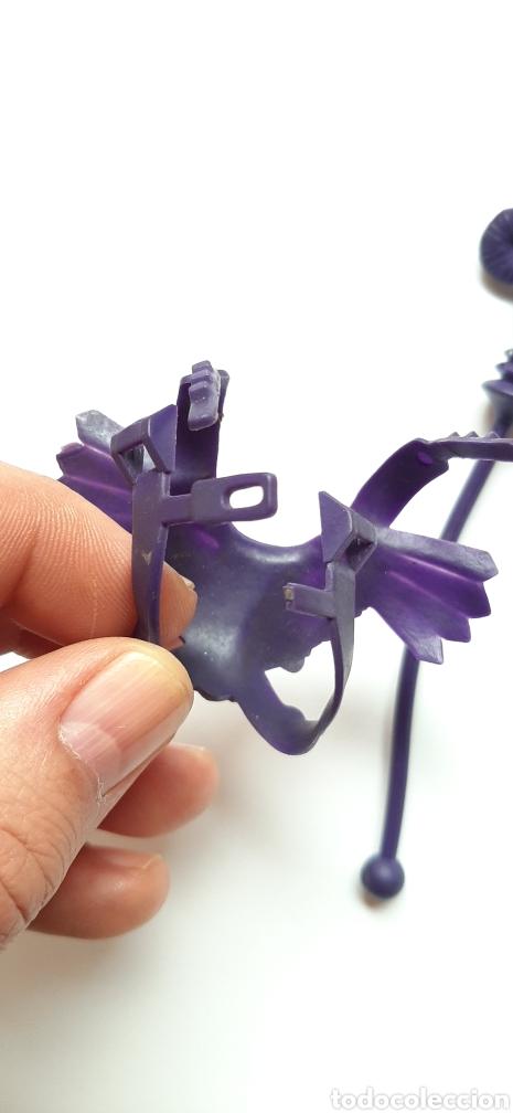 Figuras Masters del Universo: Pechera y baculo skeletor congost spain sin marcar - Foto 5 - 258117100