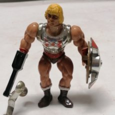 Figuras Masters del Universo: HE MAN PUÑO BOLEADOR. Lote 270367798