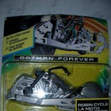 Figuras y Muñecos DC: ANTIGUO BLISTER BATMAN LA MOTO DE ROBIN NUEVA CON CUERDA DE ARRANQUE. Lote 26236733