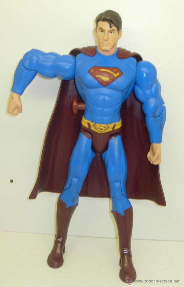 FIGURA ARTICULADA ELECTRÓNICA SUPERMAN DC 30 CMTS. (Juguetes - Figuras de Acción - DC)