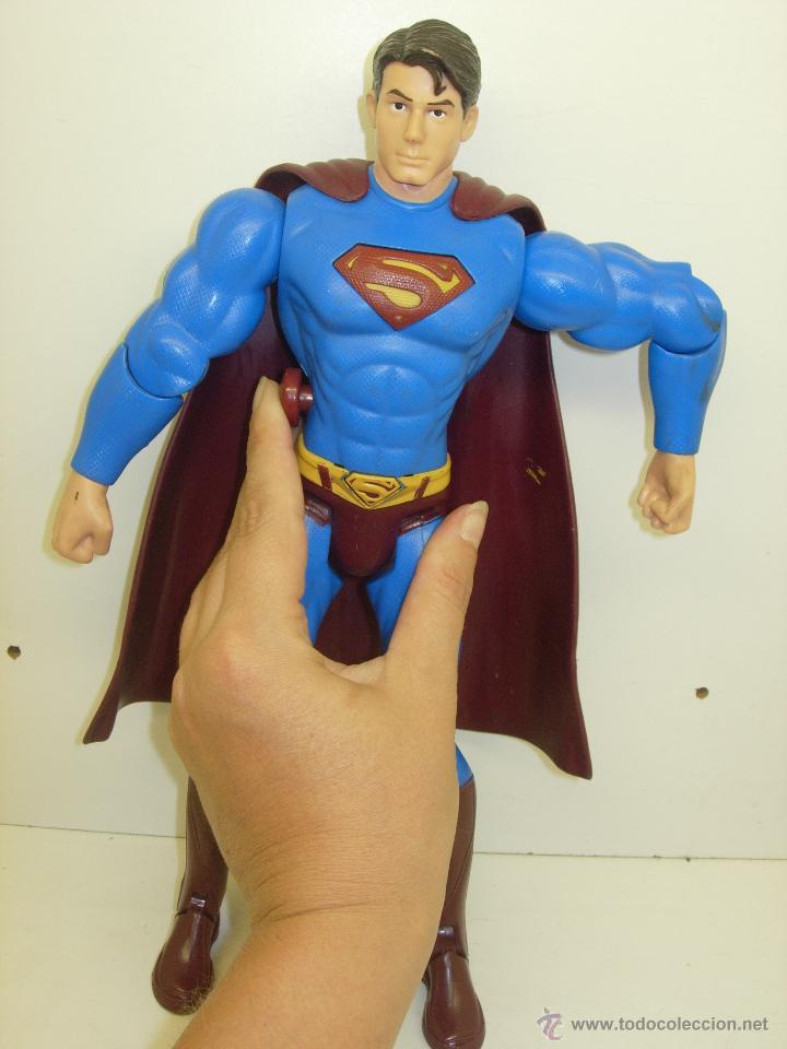 Figuras y Muñecos DC: Figura articulada electrónica SUPERMAN DC 30 cmts. - Foto 2 - 43997197