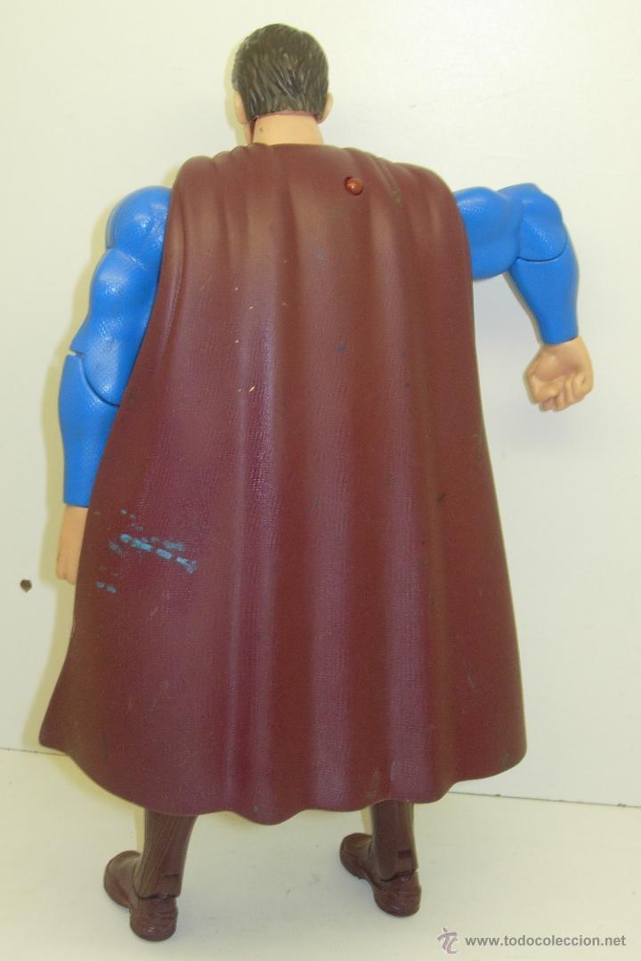 Figuras y Muñecos DC: Figura articulada electrónica SUPERMAN DC 30 cmts. - Foto 3 - 43997197