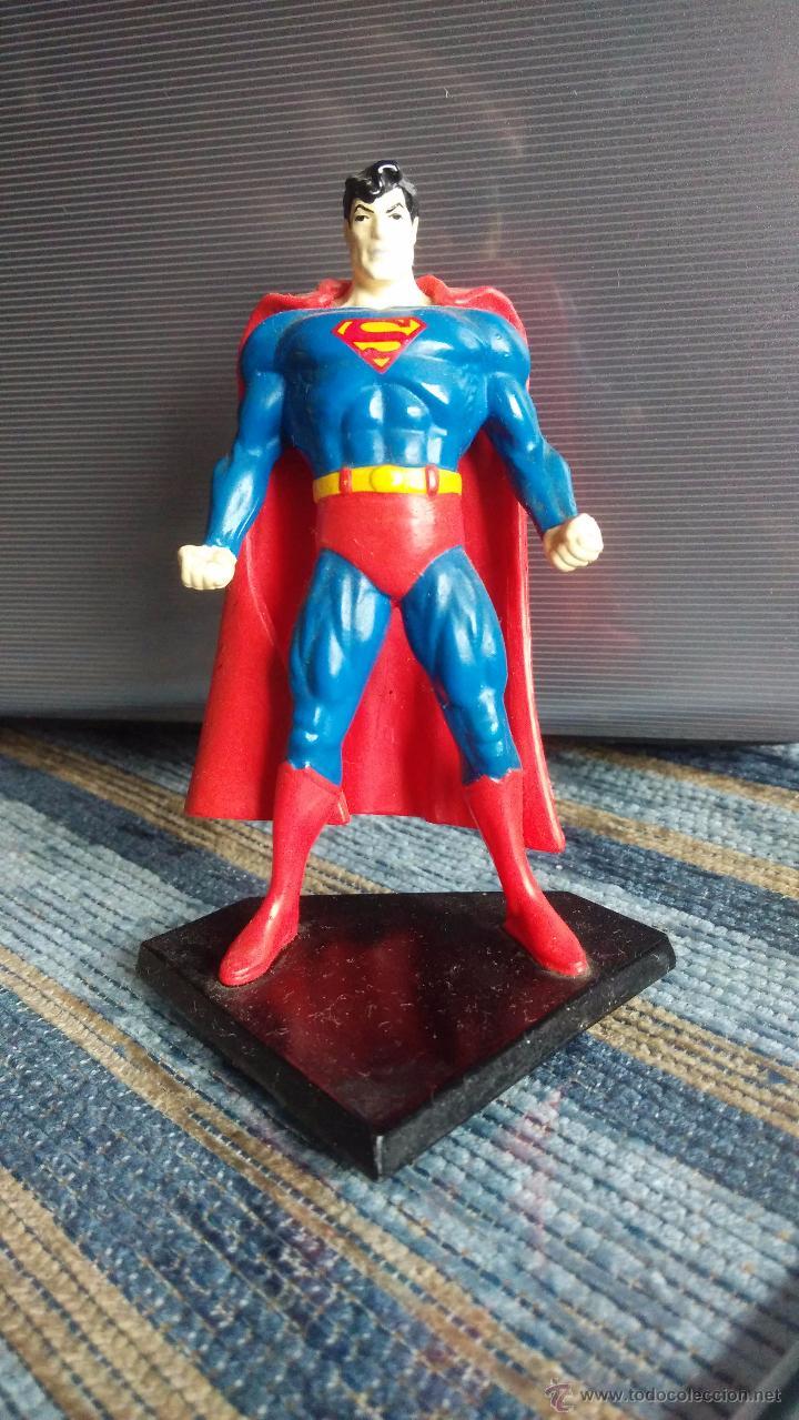 FIGURA DE PLASTICO SUPERMAN (9 CM DE ALTURA) (Juguetes - Figuras de Acción - DC)
