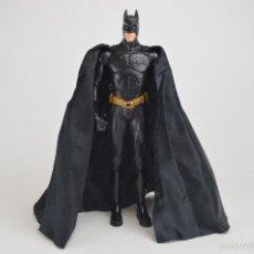 Figuras y Muñecos DC: FIGURA BATMAN - THE DARK KNIGHT RISES - ARTICULADA 36CM PVC CON CAPA DE TELA. DC COMICS. Lote 57241127