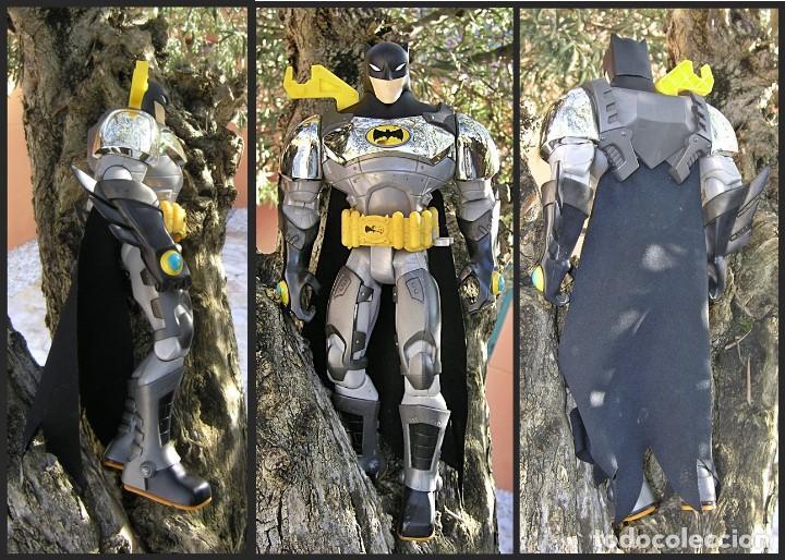 BATMAN TM & DC COMICS S06....ARTICULABLE....MEDIDAS 40 X 20 CMS (Juguetes - Figuras de Acción - DC)