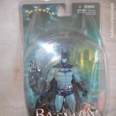 BATMAN DETECTIVE MODE - ARKHAM CITY SERIES 2 - COLLECTOR ACTION FIGURE - DC DIRECT -