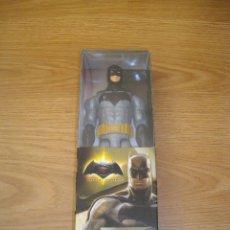 Figuras y Muñecos DC: FIGURA BATMAN VS SUPERMAN DC MATTEL AMANCECER DE LA JUSTICIA 12 PULGADAS 30CM NUEVA EN CAJA. Lote 73536135