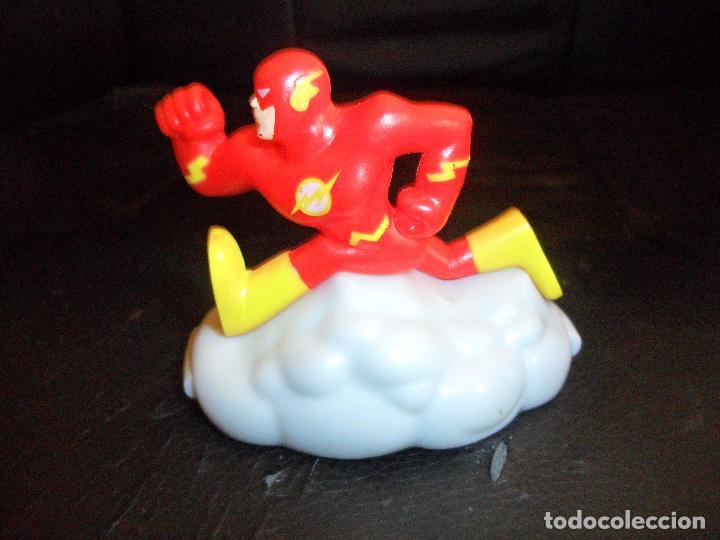 FLASH - DC SUPERHEROES - FIGURA DE ACCION CON RUEDAS, 2003 BURGER KING - (Juguetes - Figuras de Acción - DC)
