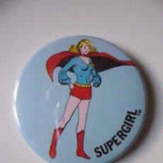 Figuras y Muñecos DC: VINTAGE SUPER POWERS BUTTON RAINBOW DESIGNS SUPERGIRL DC COMICS INC 1975. Lote 113224203