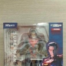 Figuras y Muñecos DC: FIGURA SUPERMAN INJUSTICE GODS AMONG US DC COMICS - SH FIGUARTS 16 CM (BANDAI). Lote 115238551