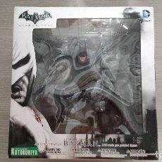 Figuras y Muñecos DC: FIGURA BATMAN ARKHAM CITY ARTFX+ DC COMICS - ESCALA 1:10 (KOTOBUKIYA). Lote 115276727