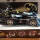 Figuras y Muñecos DC: BATMAN.¡¡EXPECTACULAR!! EXPOSITOR PARA COLECCIONISTAS. BATIMOVIL Y MOTO JUNTO A BATMAN. DC COMICS.. Lote 115854920