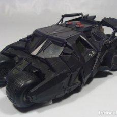 Figuras y Muñecos DC: BATIMOVIL - BATMOBILE - TUMBLER - BATMAN BEGINS - MATTEL 2005. Lote 117215847