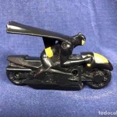Figuras y Muñecos DC: BATMAN CON MOTO DC COMICS MCDONALDS 6X10X4,5CMS PERFECTO ESTADO. Lote 117304647