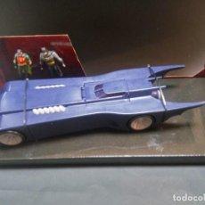 Figuras y Muñecos DC: BATMOVIL CON BATMAN Y ROBIN FIGURA FLEXIBLE THE ANIMATED SERIES UNIVERSO DC 41X15X16 CM 556 GRS. Lote 125037971
