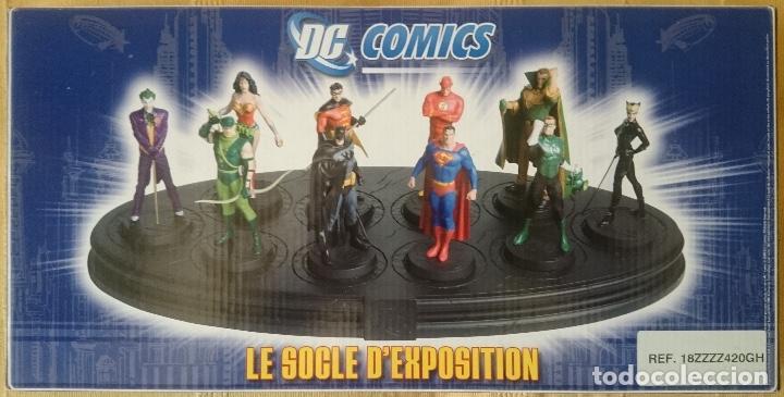 DC FIGURAS DE PLOMO ALTAYA- PEANA EXPOSITORA (Juguetes - Figuras de Acción - DC)