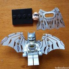 Figuras y Muñecos DC: MINIFIGURA COMPATIBLE CON LEGO BATMAN DOS TIPO DE ALAS Y DOS CABEZAS NUEVO PRECINTADO. Lote 131143380