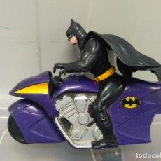 Figuras y Muñecos DC: FIGURA DE ACCION DC COMICS BATMAN EN MOTO KENNER AÑOS 90. Lote 133050166
