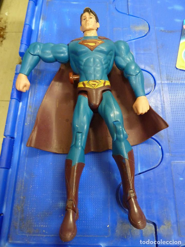 FIGURA SUPERMAN CON SONIDO MOVIMIENTO Y OJOS ROJOS TM & DC COMICS (Juguetes - Figuras de Acción - DC)