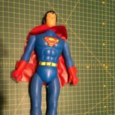 Figuras y Muñecos DC: SUPERMAN PLASTICO SOPLADO BOOTLEG. Lote 141535336