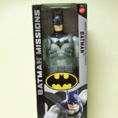Figuras y Muñecos DC: FIGURA BATMAN ARMOR SUIT TRAJE DE BATALLA 30 CM 12 PULGADAS BATMAN MISSIONS MATTEL DC COMICS COMIC. Lote 143762294