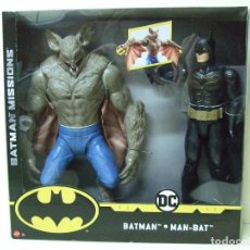 Figuras y Muñecos DC: PACK FIGURA BATMAN + MAN-BAT 30 CM 12 PULGADAS BATMAN MISSIONS MATTEL TRUE MOVES DC COMICS COMIC. Lote 143813786