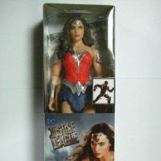 Figuras y Muñecos DC: FIGURA WONDER WOMAN METALLIC ARMOR 30 CM 12 PULGADAS JUSTICE LEAGUE MATTEL DC COMICS LIGA JUSTICIA. Lote 200829555