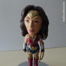 Figuras y Muñecos DC: BOBBLE-HEAD WONDER WOMAN BATMAN VS SUPERMAN DC COMICS WACKY WOBBLER BY FUNKO 2015 MUJER MARAVILLA. Lote 146495754