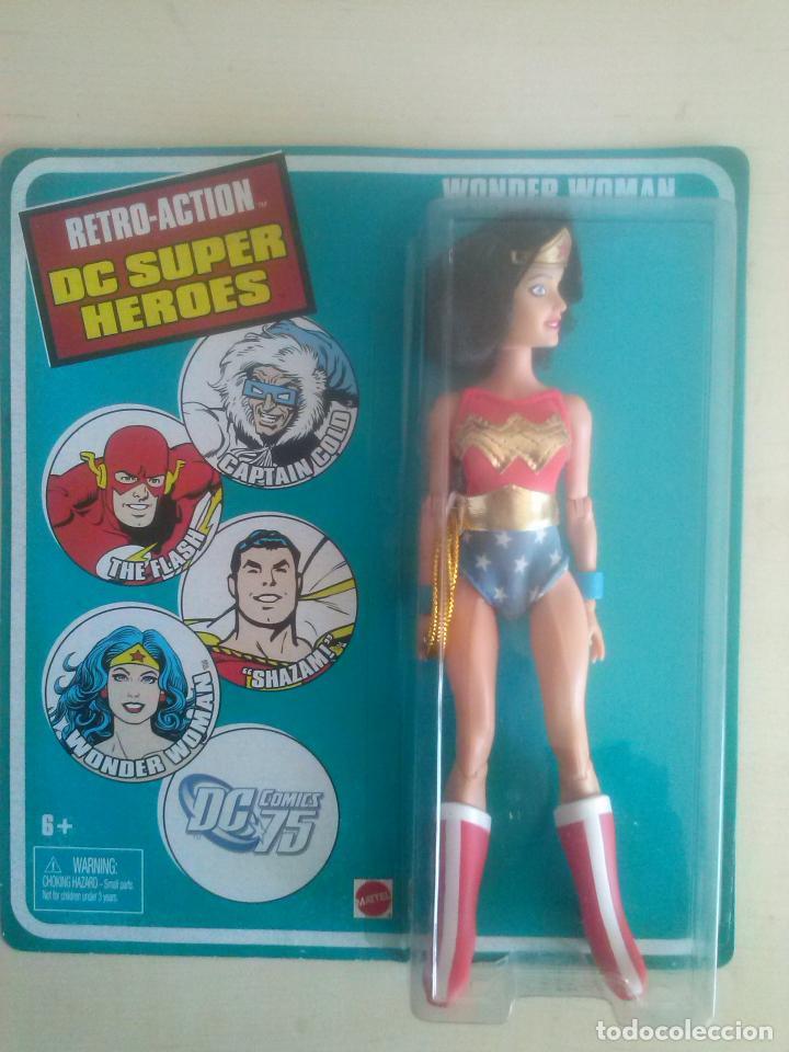 WONDER WOMAN RETRO ACTION DC SUPER HEROES MATTEL 2010 MEGO BLISTER SIN ABRIR (Juguetes - Figuras de Acción - DC)