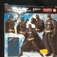 Figuras y Muñecos DC: BATMAN. THE DARK KNIGHT RISES. ACTION FIGURE. MAFEX Nº 002. DC COMICD. NUEVO EN SU CAJA. Lote 151423026