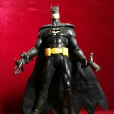 Figuras y Muñecos DC: FIGURA PVC MATTEL B4945 BATMAN DC COMICS 30CM 9 PUNTOS DE ARTICULACIÓN. Lote 151689470
