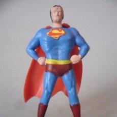 Figuras y Muñecos DC: SUPERMAN ANTIGUA FIGURA SIN MARCA DE PLASTICO RIGIDO DE 5 CM AÑOS 70. Lote 175974202