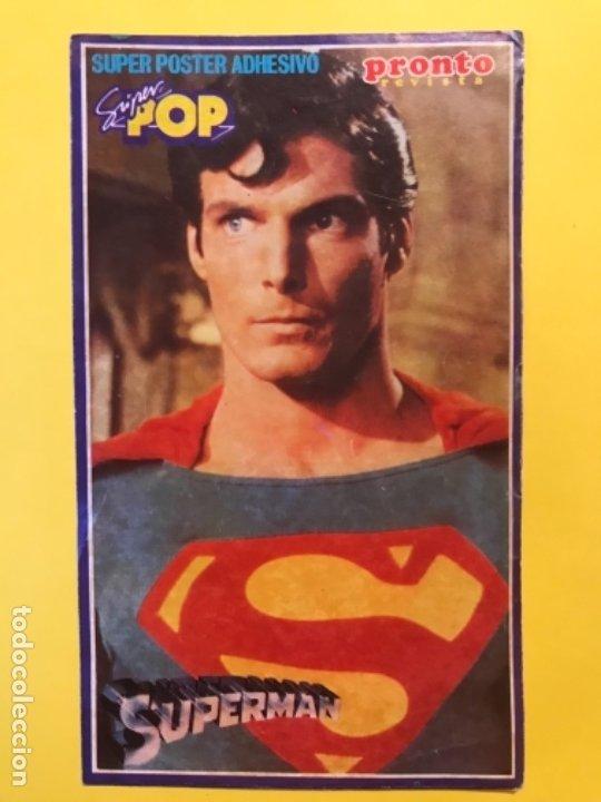 PEGATINA SUPERMAN REVISTA PRONTO Y SUPER POP CHRISTOPHER REEVE 15X9,1 CM (Juguetes - Figuras de Acción - DC)