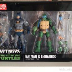 Figuras y Muñecos DC: BATMAN VS TMNT BATMAN Y LEONARDO. Lote 178948193