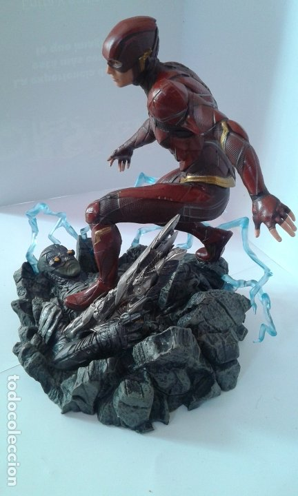 Figuras y Muñecos DC: DC Comics, DC Justice League Gallery The Flash, figura 9 inch/23 cm (Diamond Select Toys) - Foto 6 - 182954673