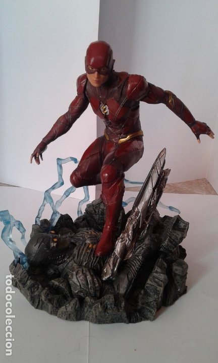 Figuras y Muñecos DC: DC Comics, DC Justice League Gallery The Flash, figura 9 inch/23 cm (Diamond Select Toys) - Foto 7 - 182954673