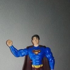 Figuras y Muñecos DC: SUPERMAN RETURNS ACCIONA BRAZOS Y OJOS LUMINOSOS VG++. Lote 190013373