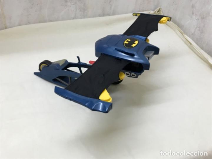 Figuras y Muñecos DC: Antiguo coche batman azul batmobile batmovil dc aerobat alas desplegables - Foto 2 - 190407418