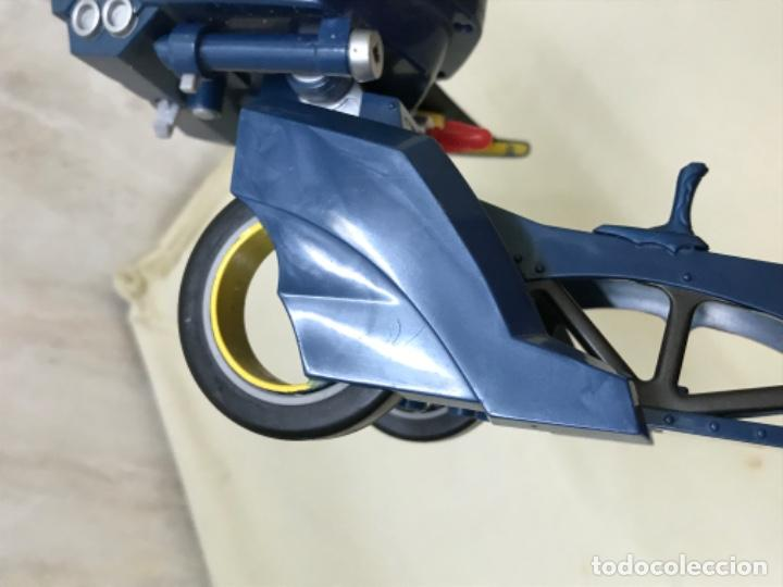 Figuras y Muñecos DC: Antiguo coche batman azul batmobile batmovil dc aerobat alas desplegables - Foto 9 - 190407418