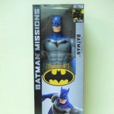 Figuras y Muñecos DC: FIGURA BATMAN DETECTIVE 30 CM 12 PULGADAS - BATMAN MISSIONS 80 YEARS MATTEL DC COMICS COMIC. Lote 191982828