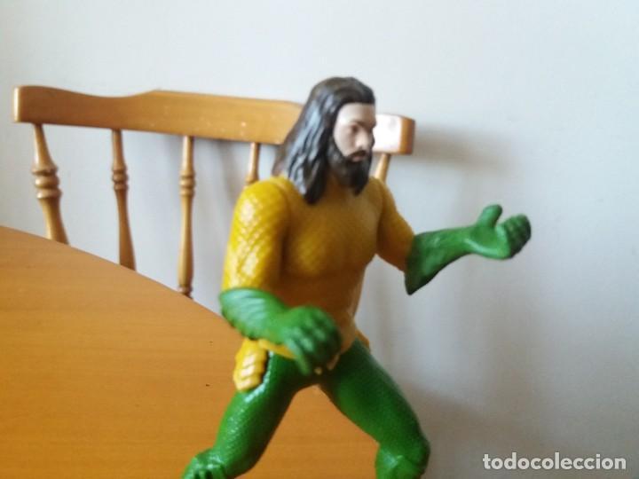 Figuras y Muñecos DC: Figura Aquaman. DC. TM. Burguer King. Le falta el tridente. - Foto 2 - 195013486