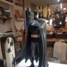 Figuras e Bonecos DC: FIGURA BATMAN BLACK AND WHITE EDICIÓN NUMERADA 6500 EJEMPLARES DISEÑADA BRIAN BOLLAND. Lote 204666322