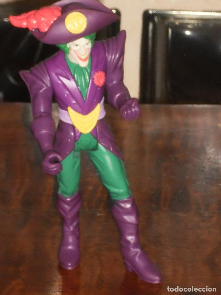 Figuras y Muñecos DC: THE JOKER PIRATA - TM&C -1996 –DC Comics Inc. –KENNER - Foto 3 - 204705265