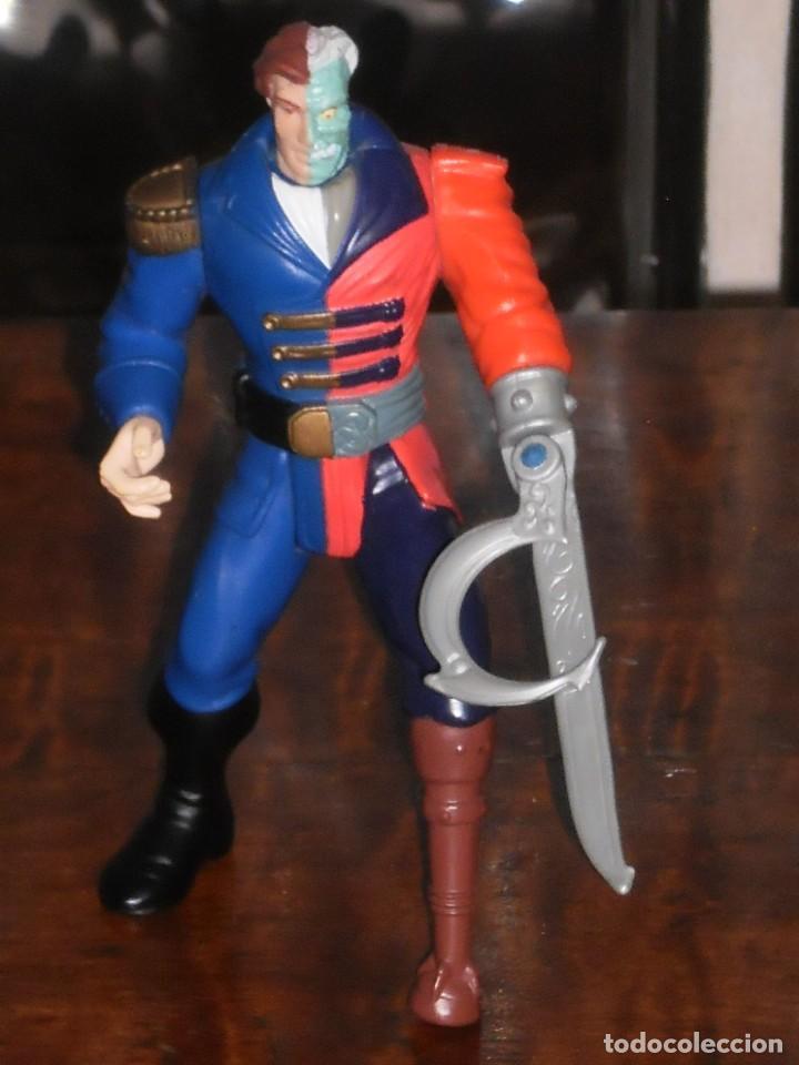 FIGURA ARTICULADA HARVEY DOS CARAS - PIRATA – 1995 DC COMICS INC. – KENNER (Juguetes - Figuras de Acción - DC)