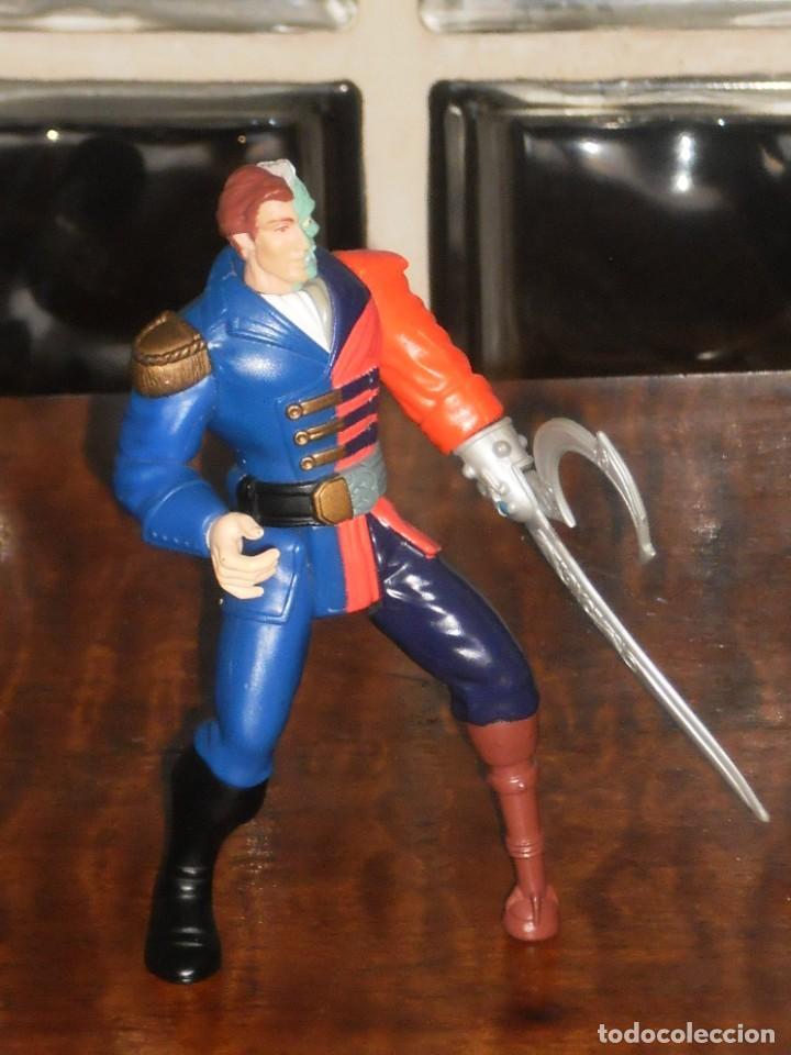 Figuras y Muñecos DC: FIGURA ARTICULADA HARVEY DOS CARAS - PIRATA – 1995 DC Comics Inc. – KENNER - Foto 5 - 204709813